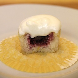 berry-surprised mini lemon cupcakes